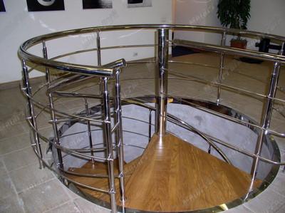 Атриум винтовой лестницы