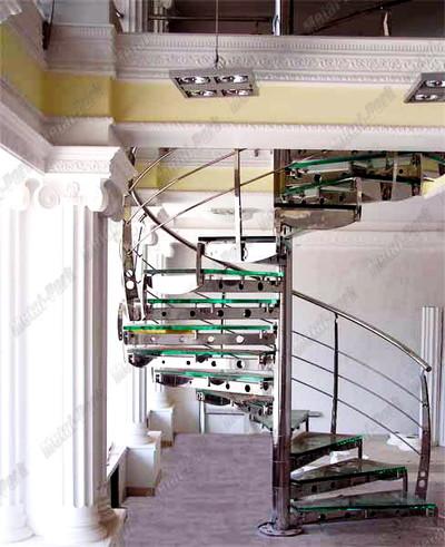 Винтовая лестница из нержавеющей стали со ступенями ТОП2
