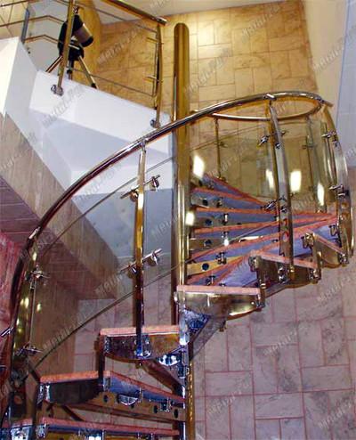 Винтовая лестница из нержавеющей стали с мраморными ступенями