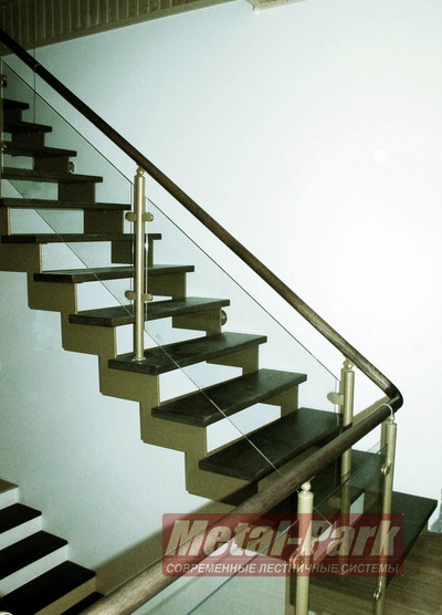 Лестница на листовых пилообразных косоурах copy copy