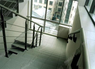 Лестничные ограждения из полосовой стали