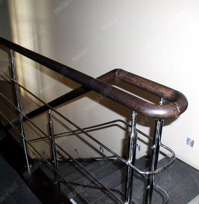 Лестничные ограждения с ригелями и дубовым поручнем