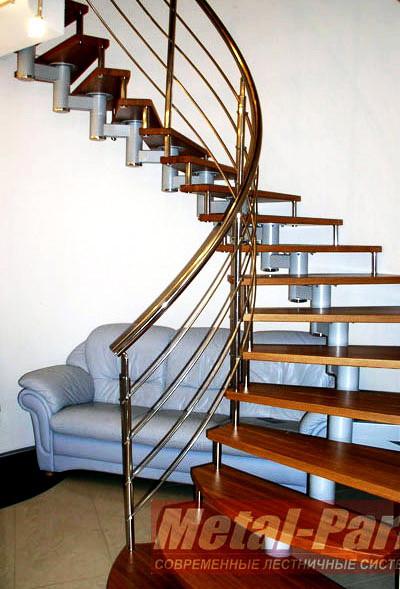 Модульная лестница на центральном косоуре и больцах