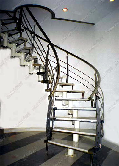 Модульная лестница со ступенями из агломерата