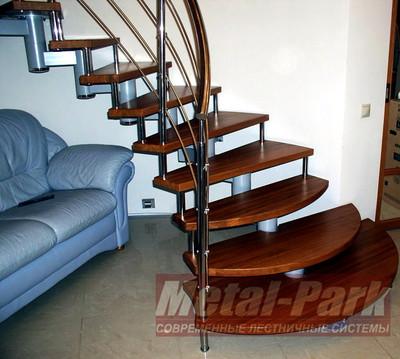 Модульная лестница с пригласительными ступенямиl