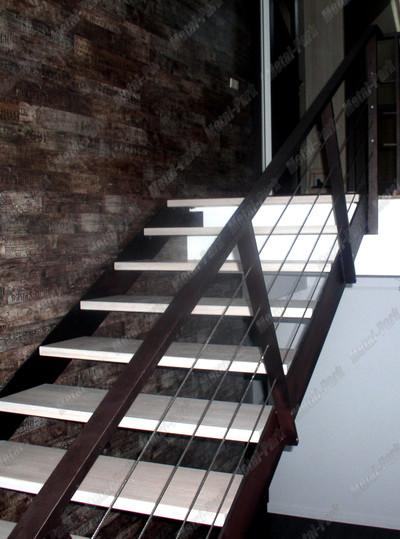 Ограждения лестницы с тросами