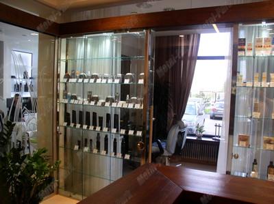 Сдвижная стеклянная дверь, стеклянные витрины