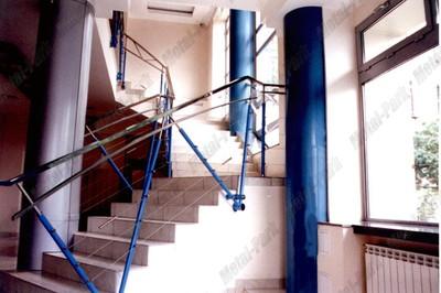 Слилизованые ограждения в офисе Мостотряд 182
