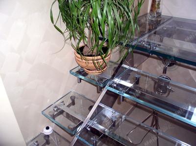 Элементы стеклянного пола   нержавеющая сталь и стекло optiwhite